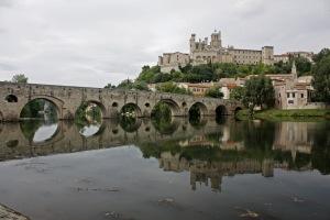 Béziers-Reflet_de_St_Nazaire_dans_l'Orb